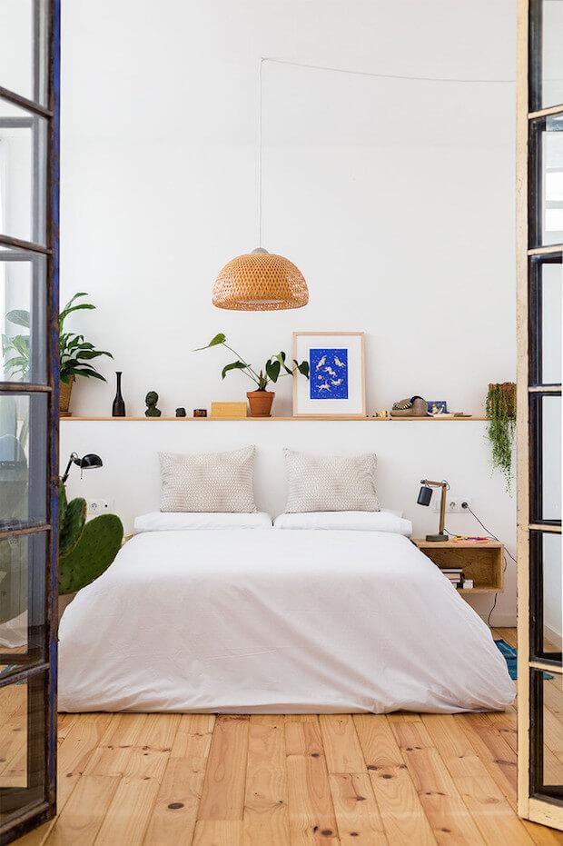 Cabecero con repisa para cama