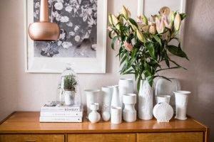 Como decorar con flores un jarrón