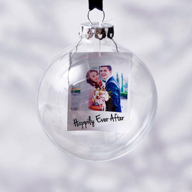 Tendencias decoración navideña bolas transparentes