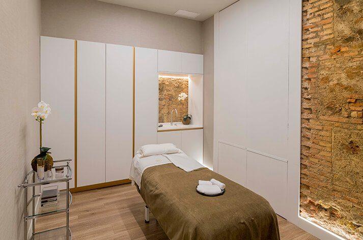 Proyecto de interiorismo y decoración Maribel YébenProyecto de interiorismo y decoración Maribel Yébenes Málaga cabinas de tratamientos | Dimensi-on
