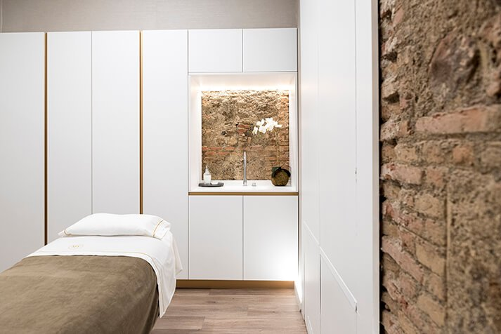 Proyecto de interiorismo y decoración Maribel Yébenes Málaga cabinas tratamientos | Dimensi-on
