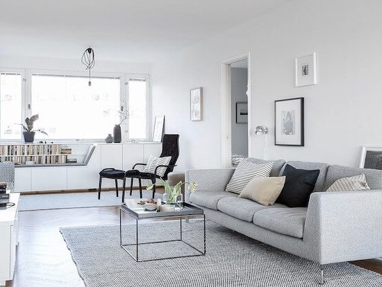 Salón sofá gris decoración de intiores