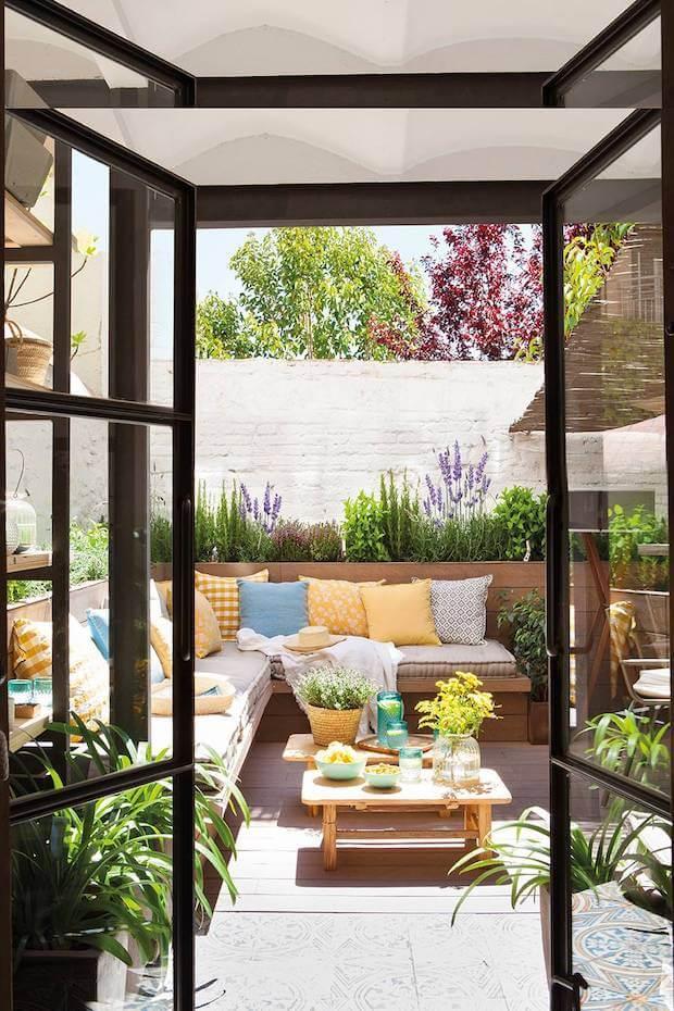 Tips para sacar el máximo partido a tu terraza: jardinera