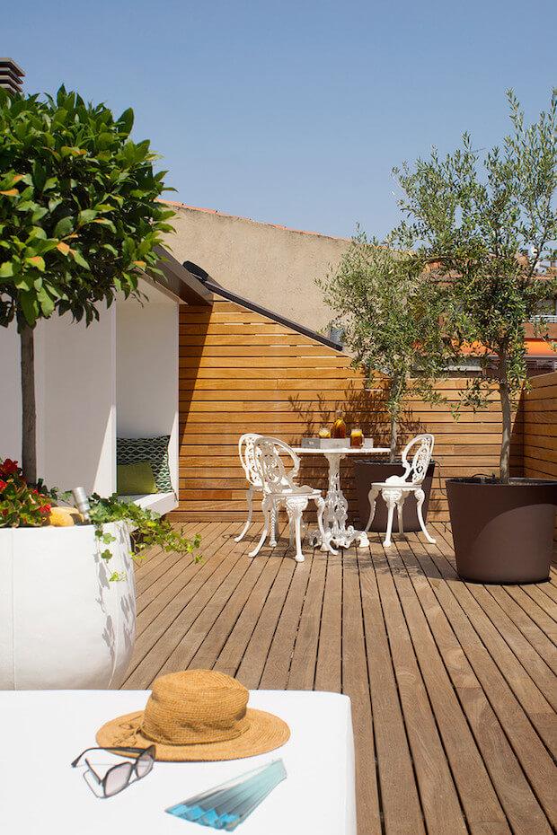 Cómo cambiar el aspecto de la terraza: banco de obra