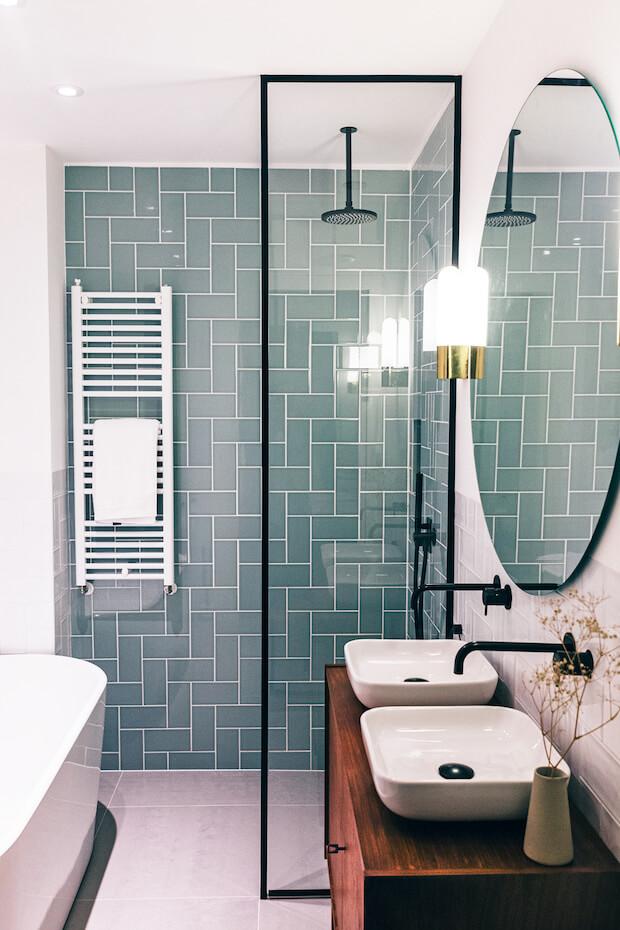 Cambiar el baño: radiador toallero