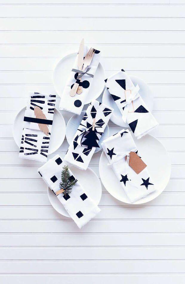 Decoración de mesas navideñas en blanco y negro