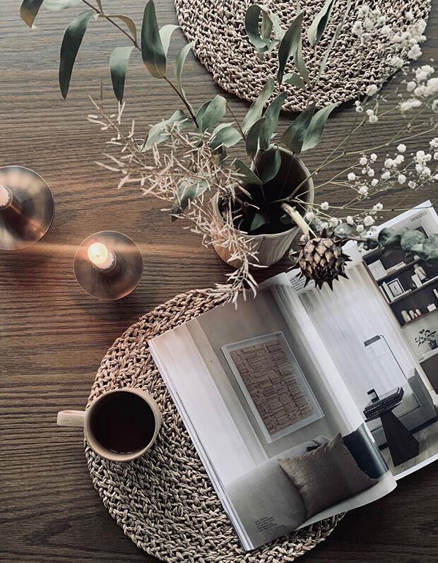 Decoración navideña con flores secas para el hogar de inquilinos nómadas