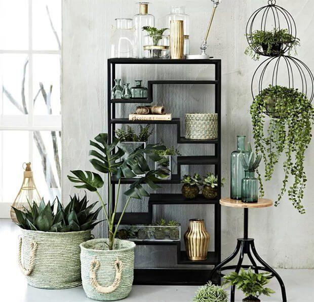Decoración con flores artificiales para el hogar