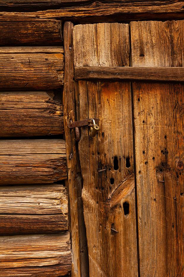 La importancia de la madera natural en la decoración Wabi Sabi