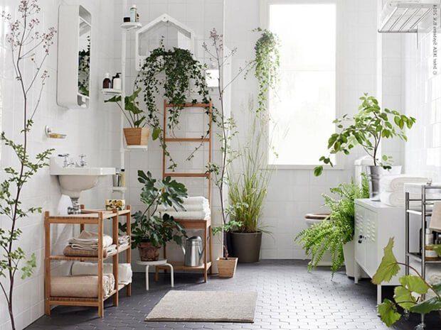 como decorar un baño con flores artificiales