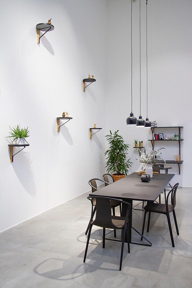 Salones de estilo minimalista vs maximalismo